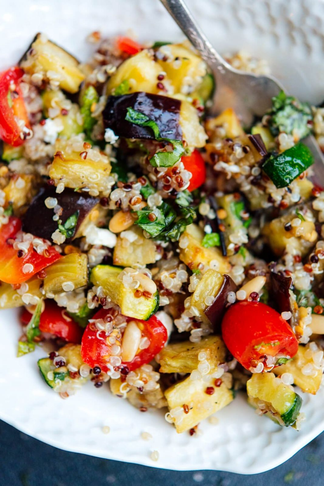 Mediterranean Quinoa Salad with Roasted Summer Vegetables - Salad Recipes Veg For Dinner