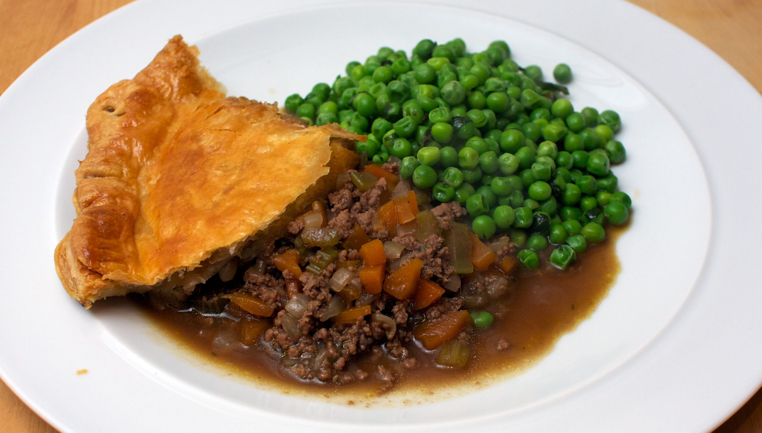 Mince and Onion Pie | Jono & Jules do food & wine - Recipes Beef Mince Jamie Oliver