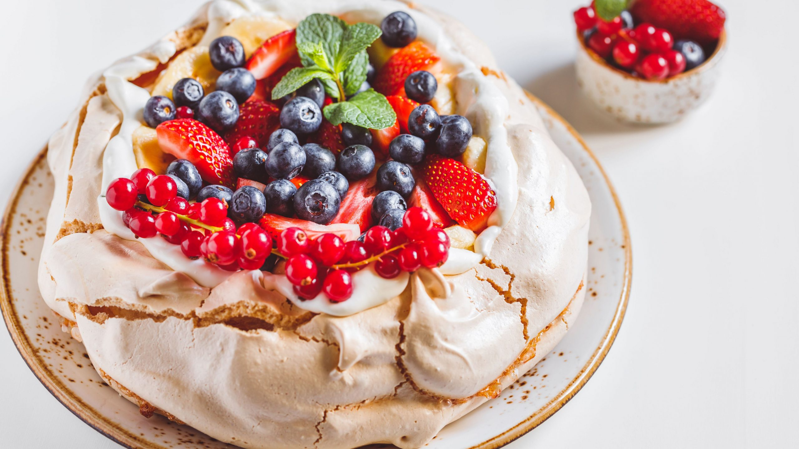 New Zealand Pavlova - Dessert Recipes New Zealand