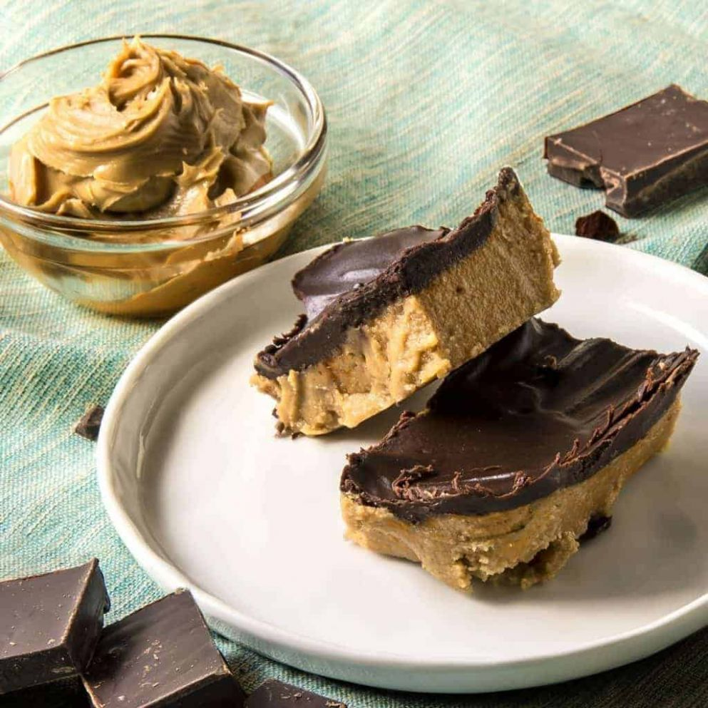 No-Bake Keto Desserts: Peanut Butter Chocolate Bars | TwoSleevers - Keto Dessert Recipes Quick