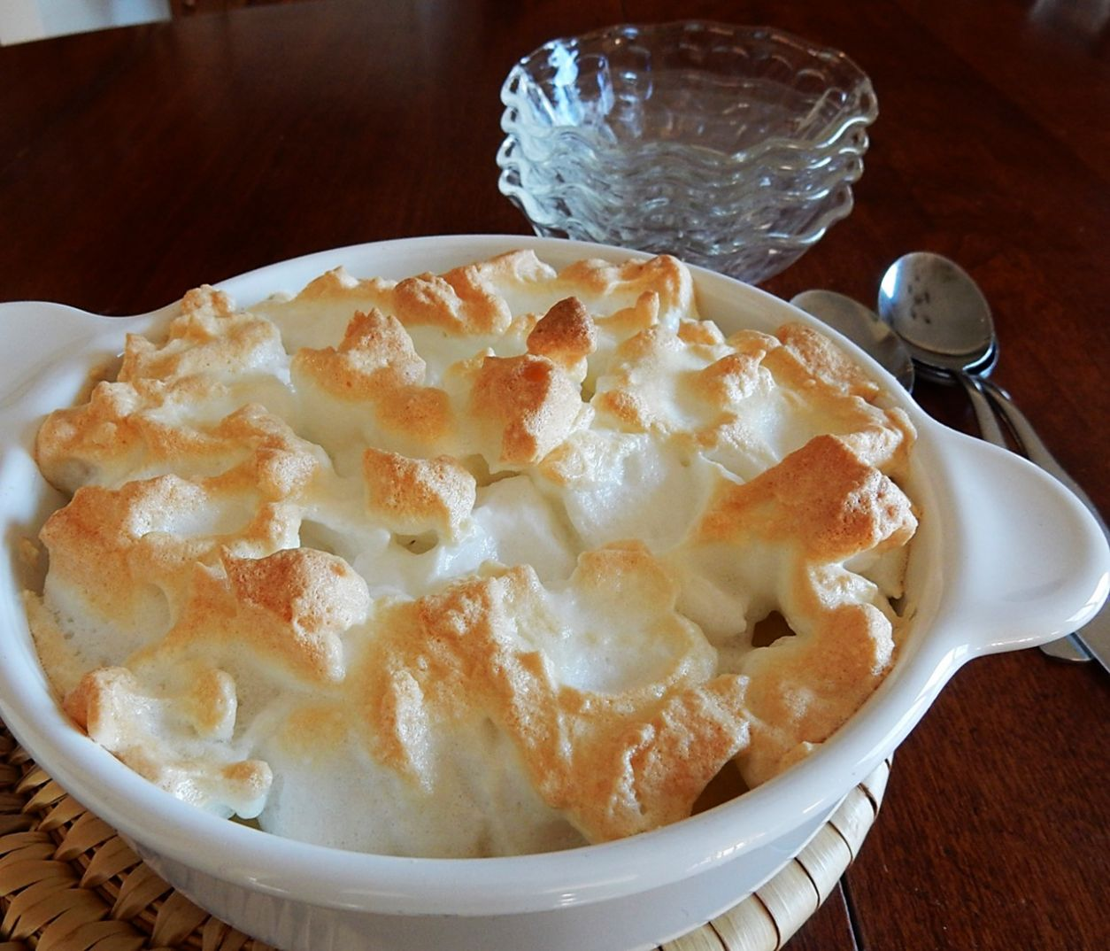 Old-fashioned Rice Pudding with Meringue Topping – A Hundred Years Ago - Recipes Rice Pudding Baked