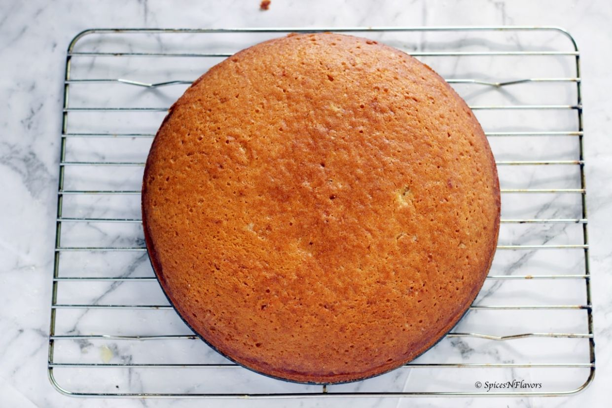 One bowl Eggless Vanilla Cake - No milk, butter or condensed milk - Cake Recipes Without Milk