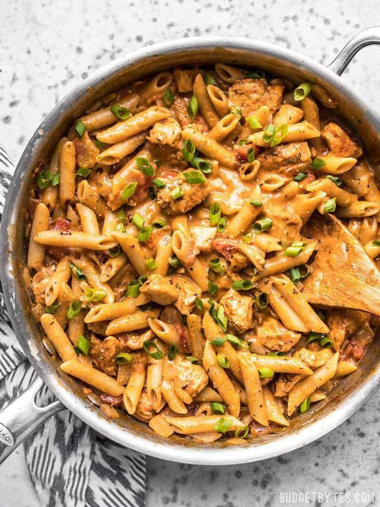 One Pot Creamy Cajun Chicken Pasta