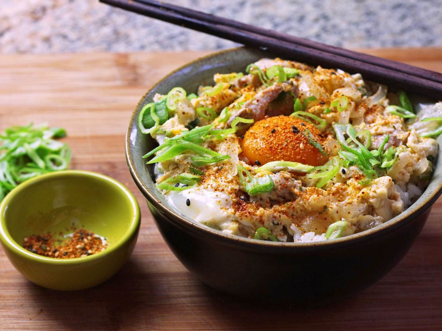 Oyakodon (Japanese Chicken and Egg Rice Bowl) Recipe