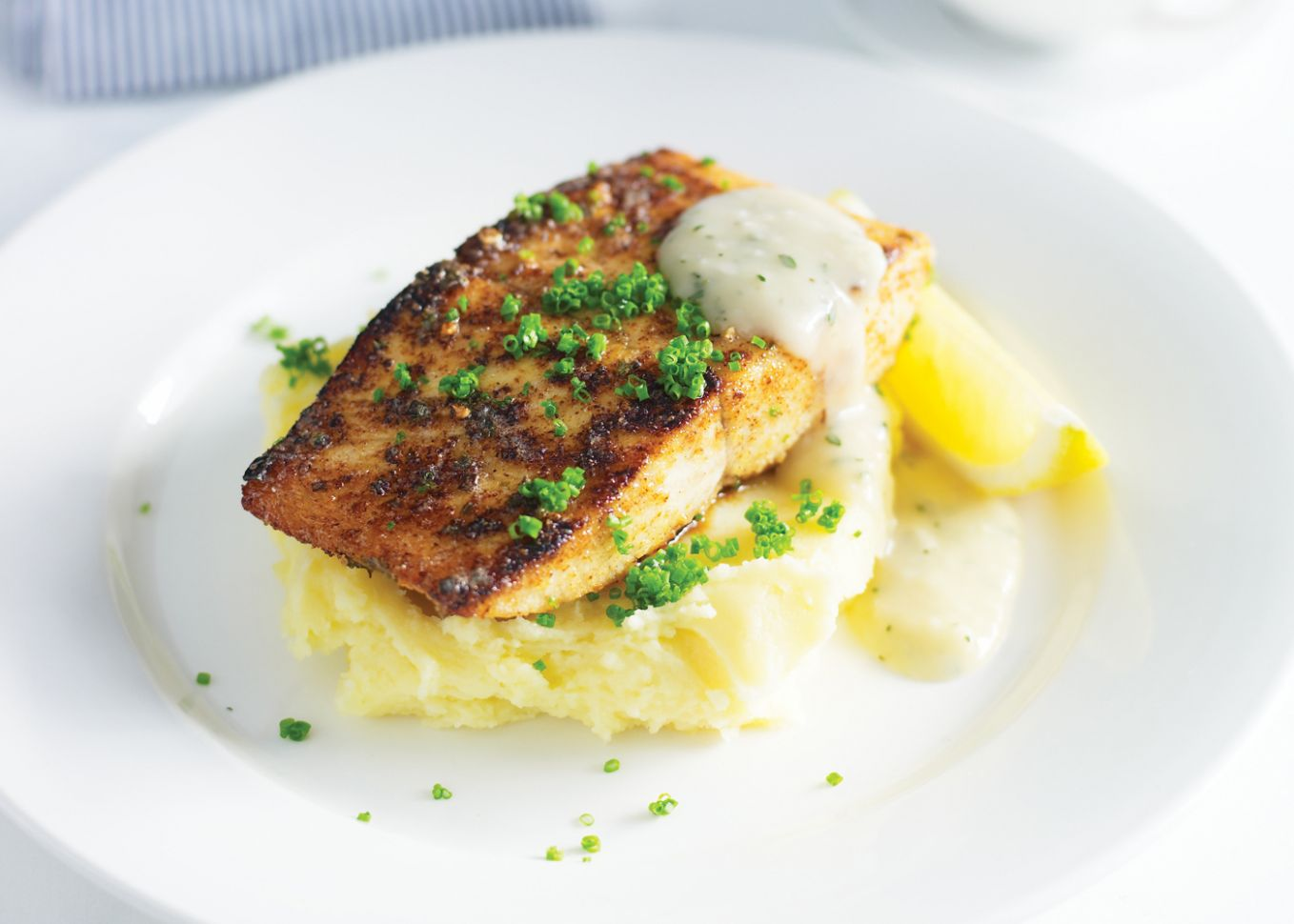 Pan-fried kingfish with creamy mashed potatoes | FOODWISE - Recipe Fish Dinner Party