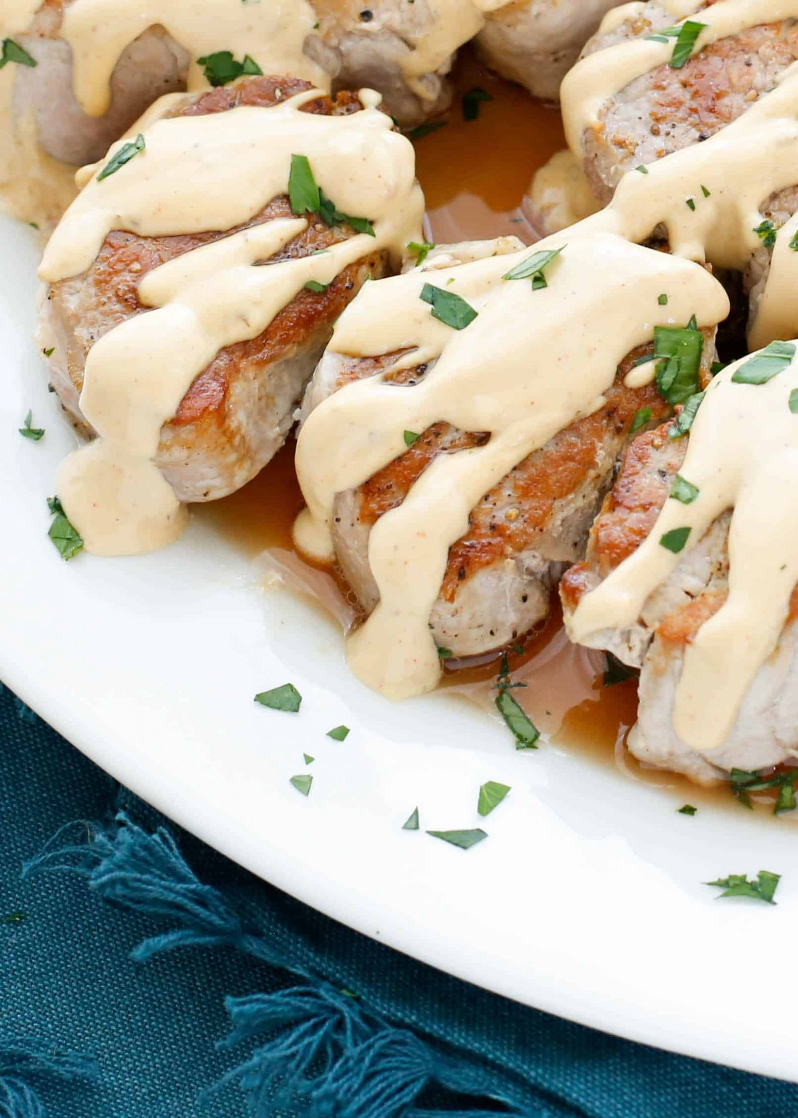 Pan Fried Pork Medallions with Creamy Wine Sauce - Recipes Pork Medallions