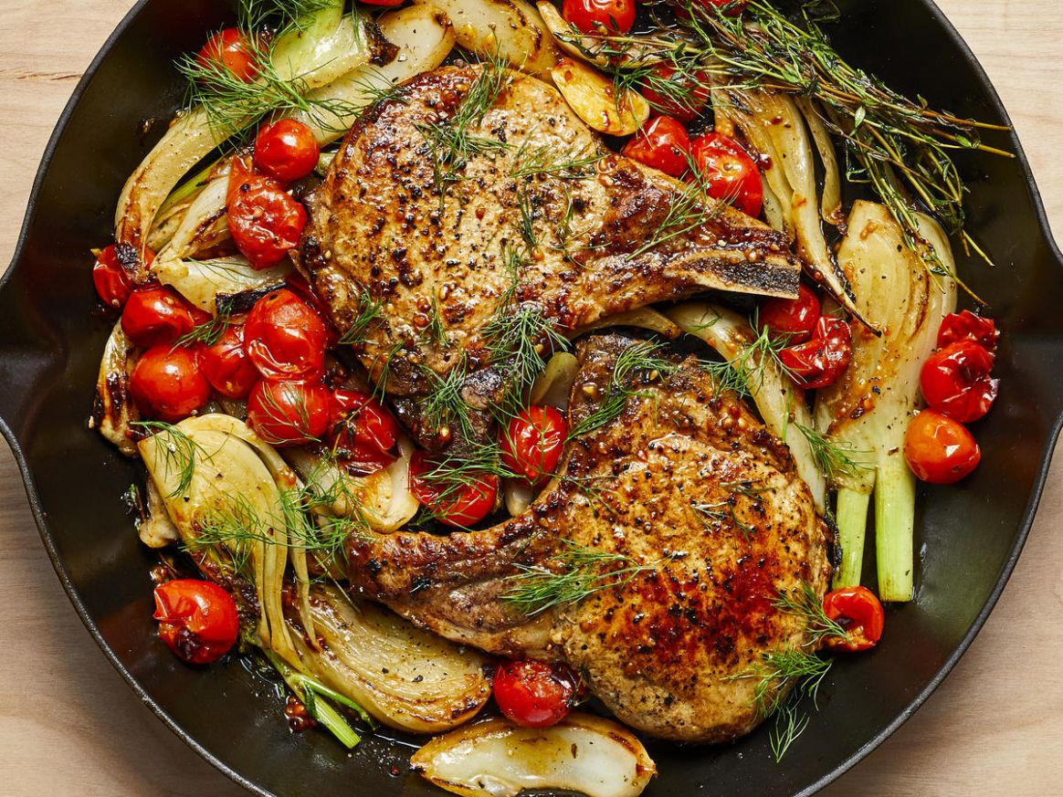 Pan-Seared Pork Chops with Roasted Fennel and Tomatoes