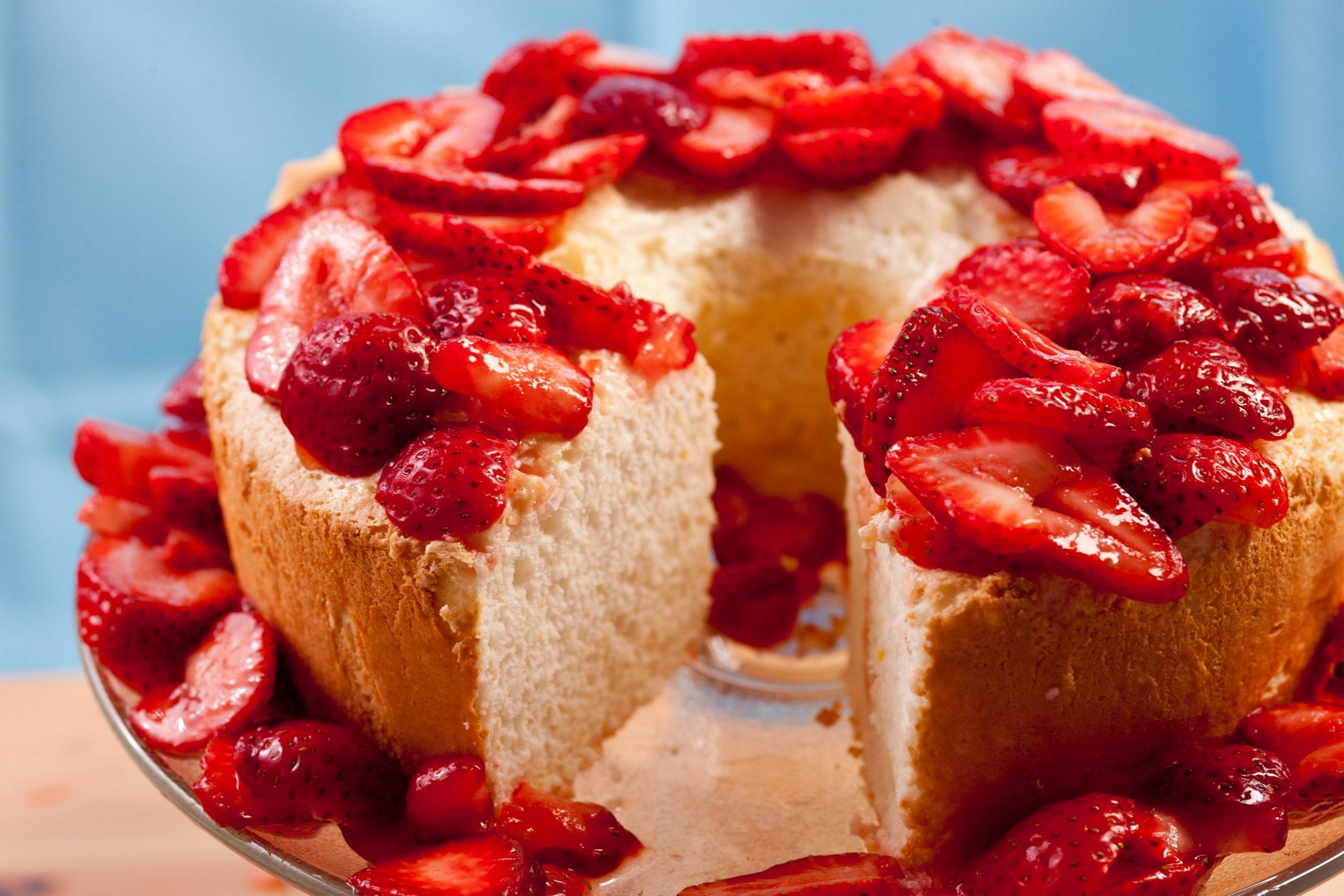 Passover Orange Angel Food Cake with Strawberries - Dessert Recipes Kosher