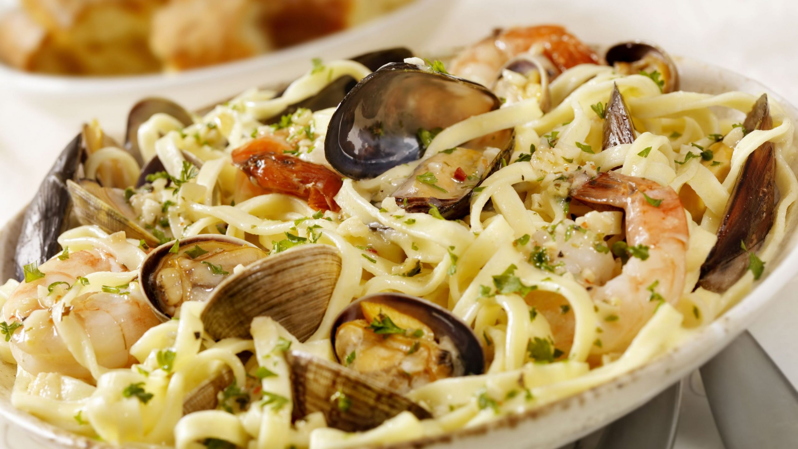 Pasta With Mixed Seafood (Pasta alla Posillipo)