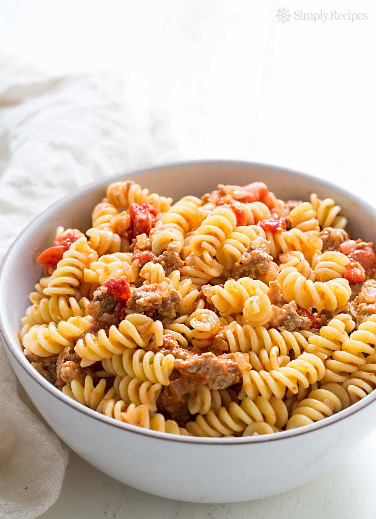 Pasta with Turkey Sausage and Smoked Mozzarella - Recipes Pasta Mozzarella