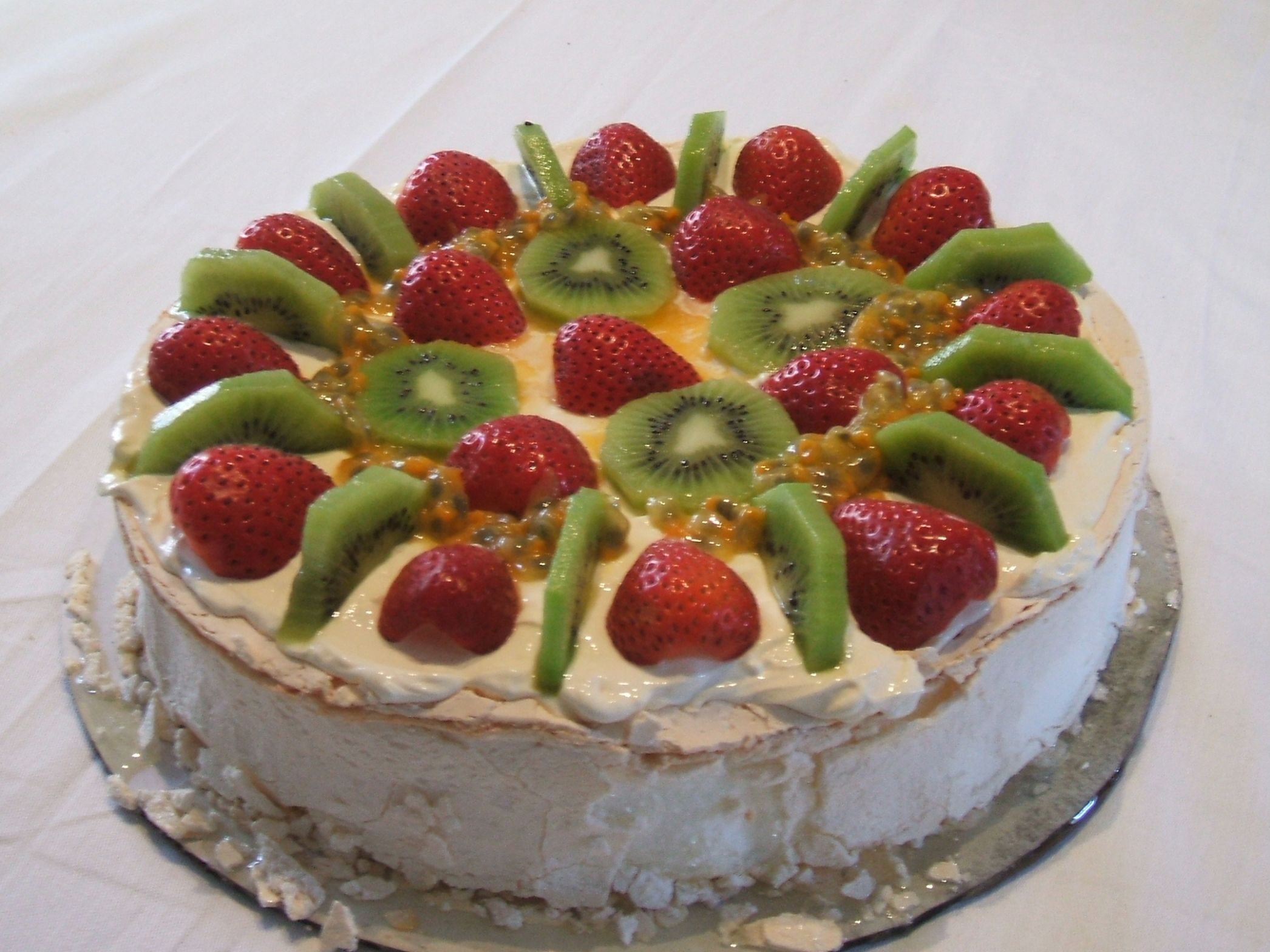 Pavlova (cake) - Wikipedia - Dessert Recipes New Zealand