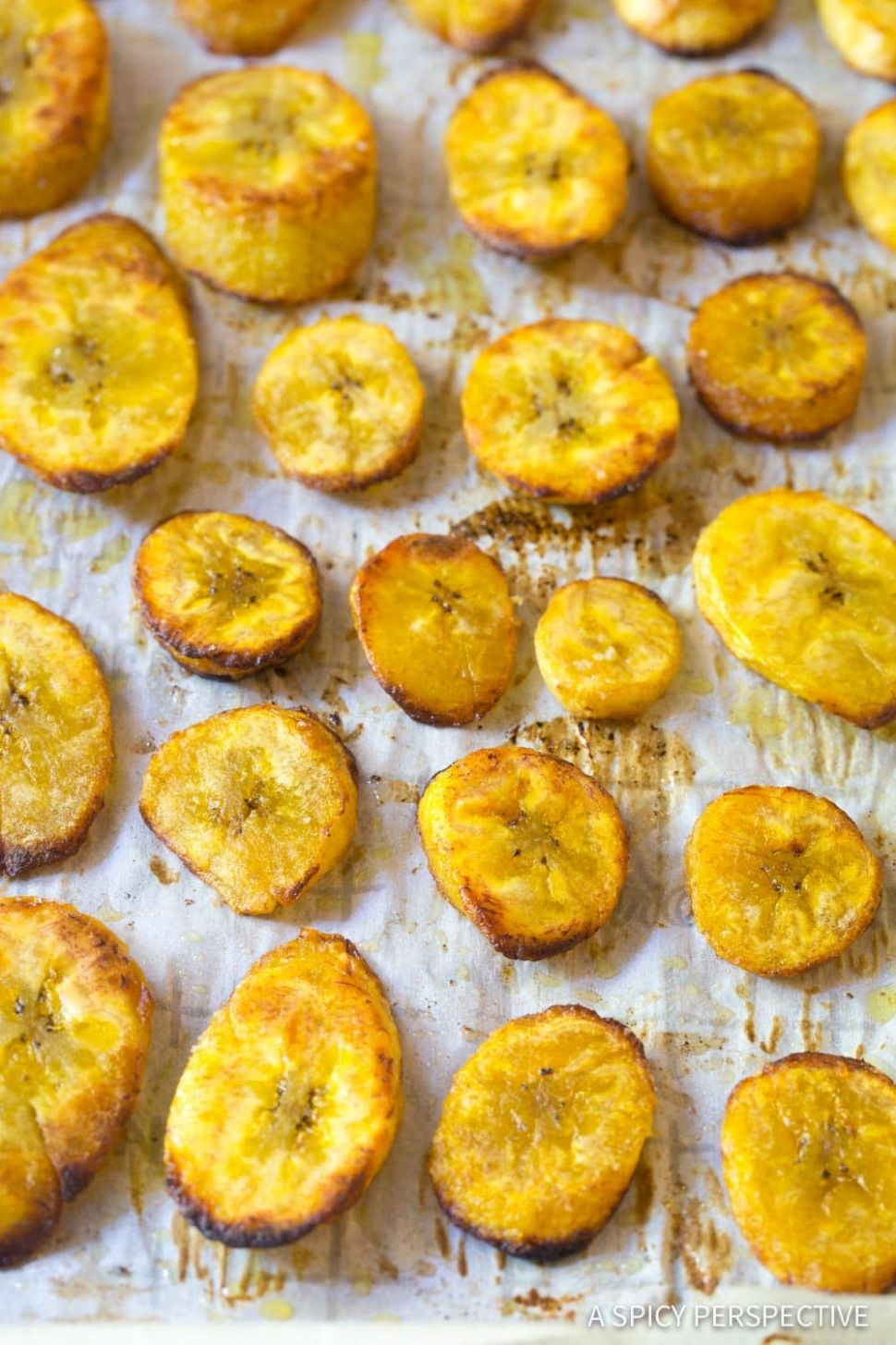 Perfect Baked Plantains Recipe (VIDEO) - A Spicy Perspective - Recipes Cooking Plantains