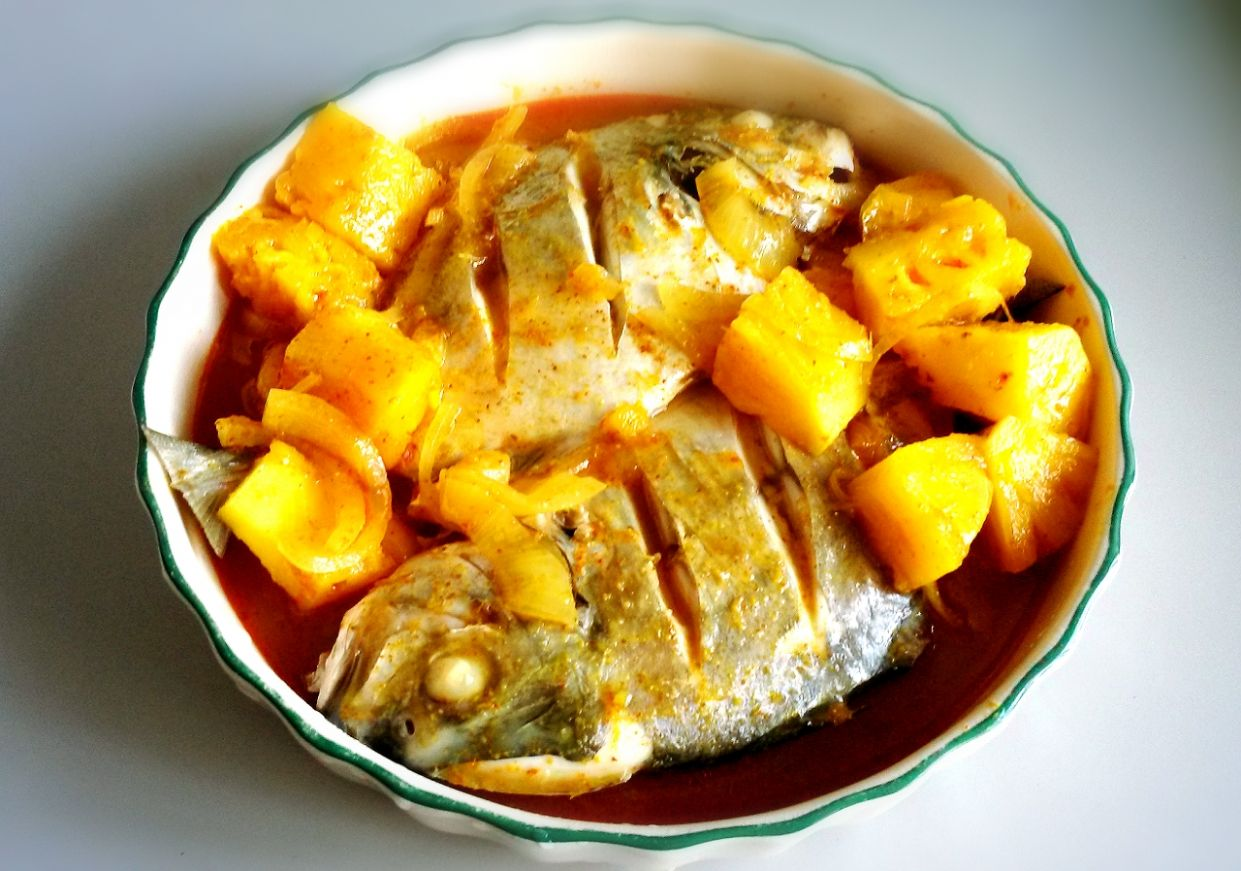 Pineapple Assam Pedas Fish Again! | flofoodventure