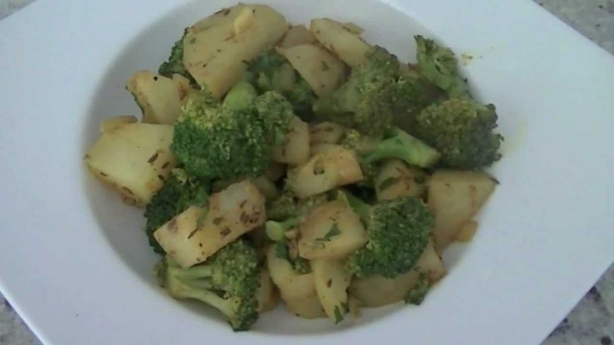 Potato Broccoli Masala Recipe | Indian Vegetarian recipe - Potato Recipes Video