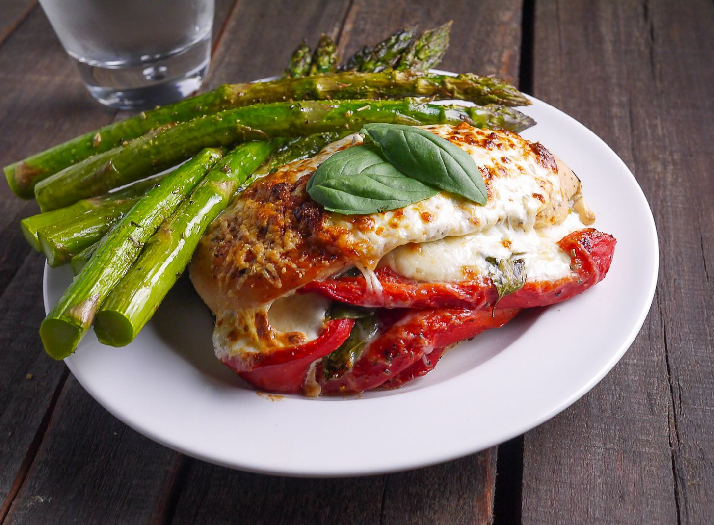 Roasted Red Pepper Mozzarella and Basil Stuffed Chicken - Recipe Chicken Breast Tomatoes Peppers