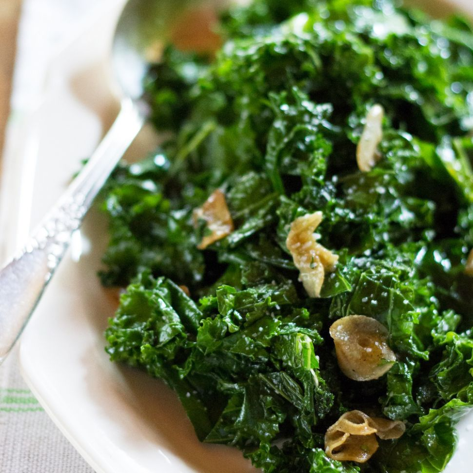 Sautéed Kale With Garlic and Olive Oil - Recipes Cooking Kale