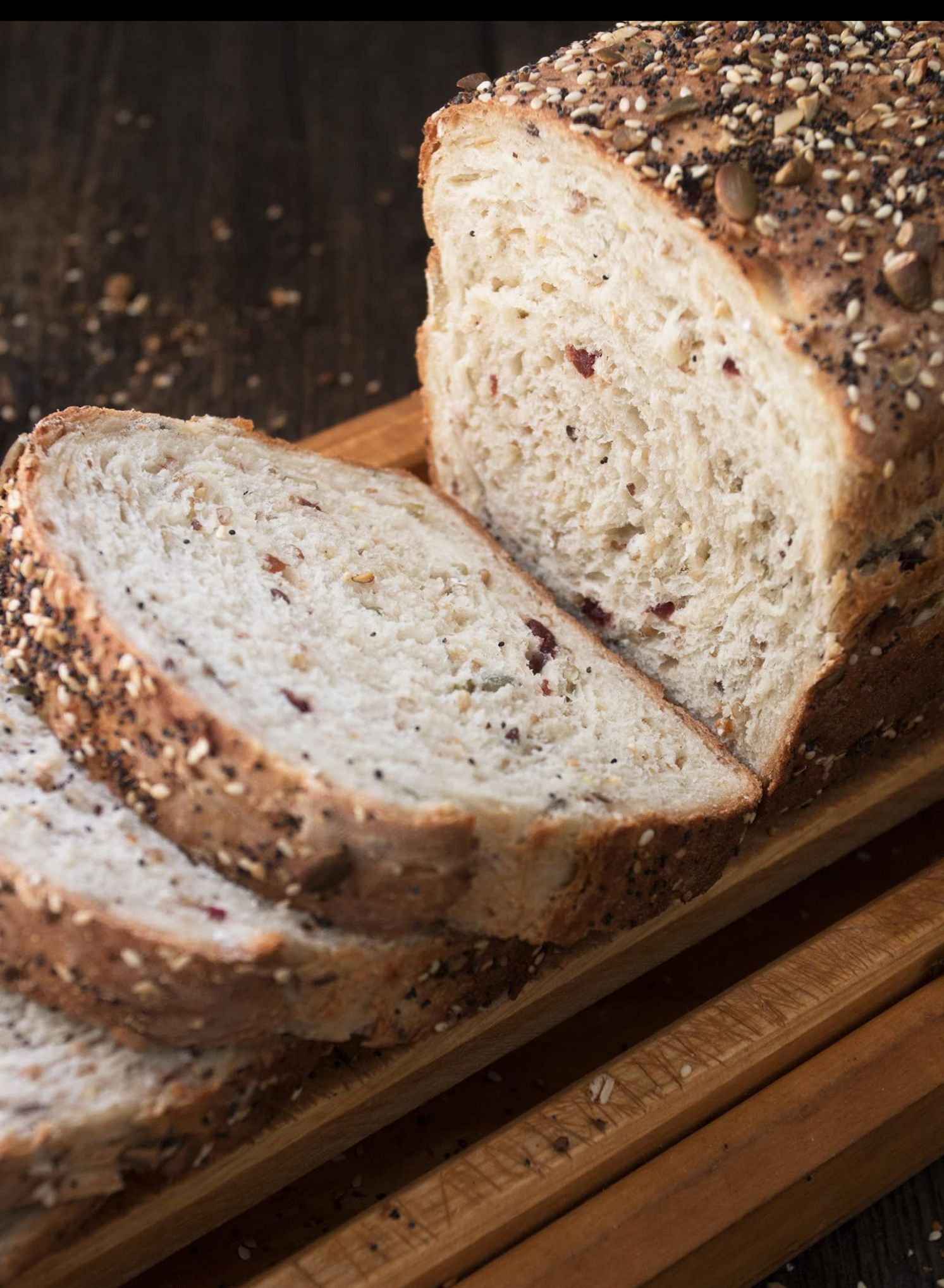 Seeded Multigrain Sandwich Bread via @SeasonsSuppers (With images ..
