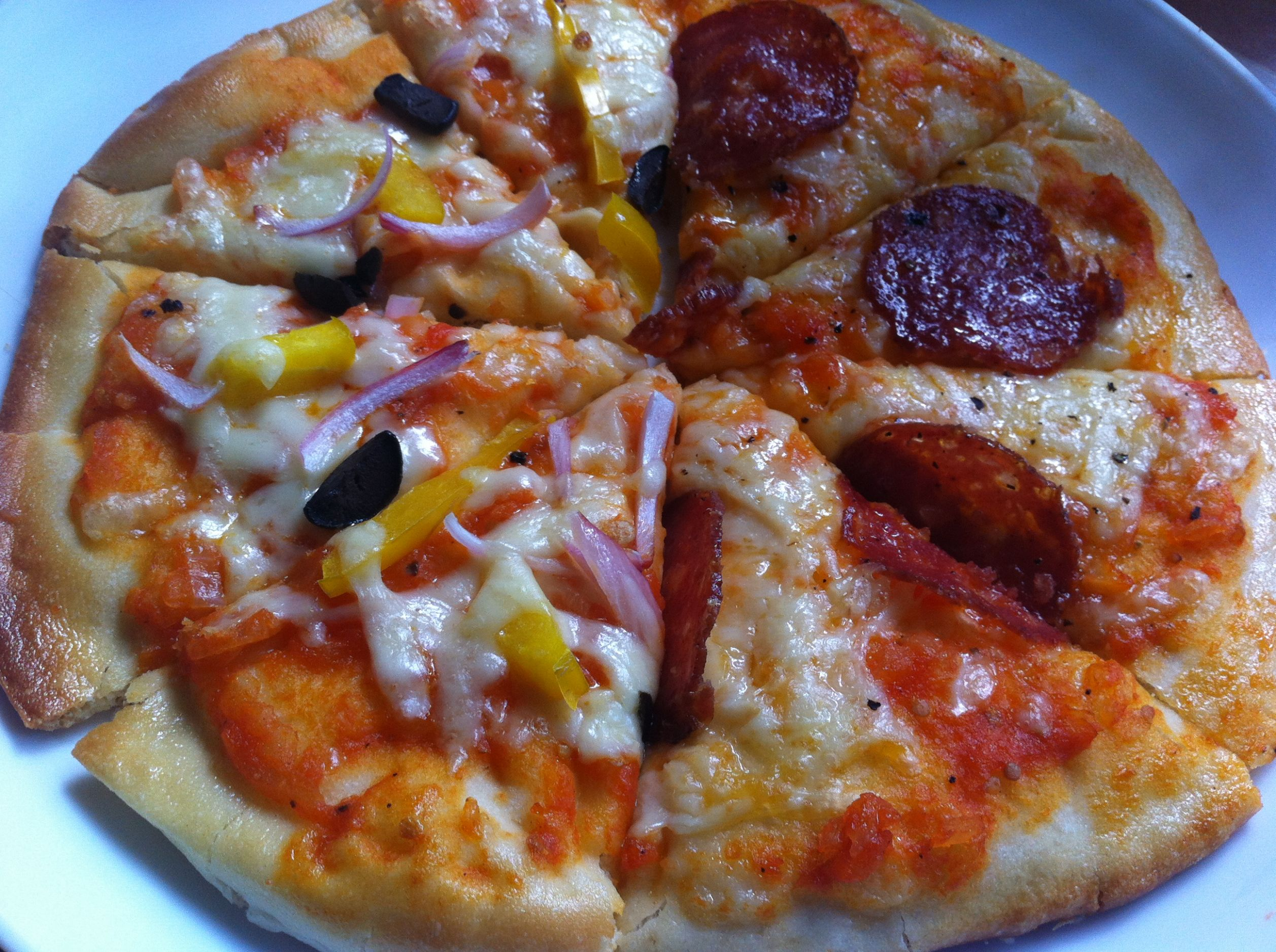 Simple Home-made Pizza Recipe | Chef Raphael - Pizza Recipes Kenya