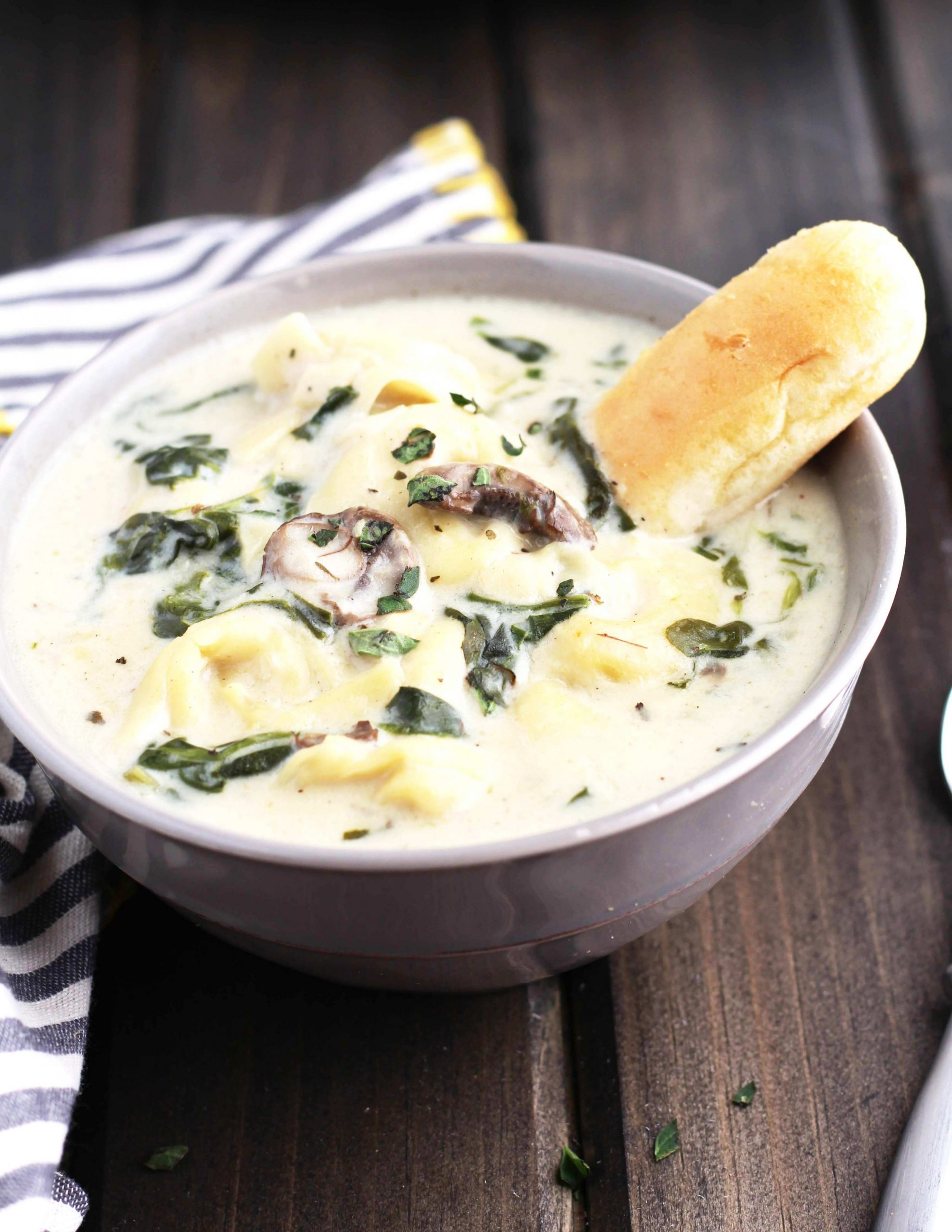 Slow Cooker Creamy Tortellini Spinach and Mushroom Soup - Soup Recipes Yummy Tummy