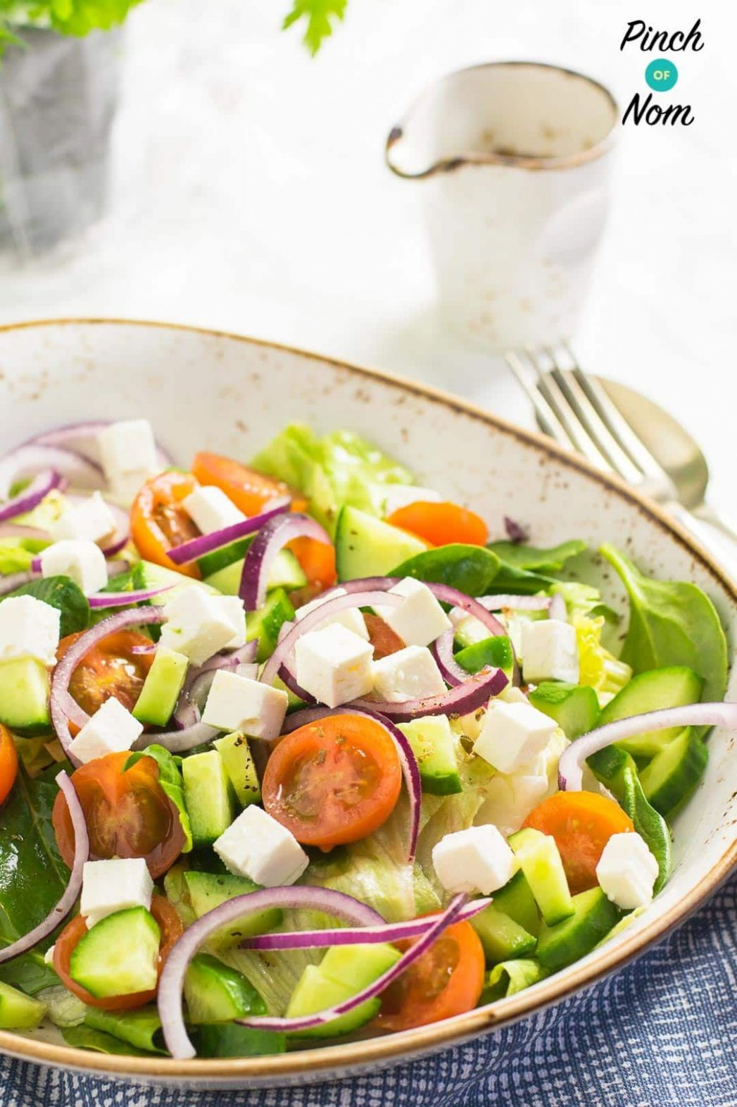 Syn Free Greek Salad | Slimming World | Greek salad, Healthy salad ..