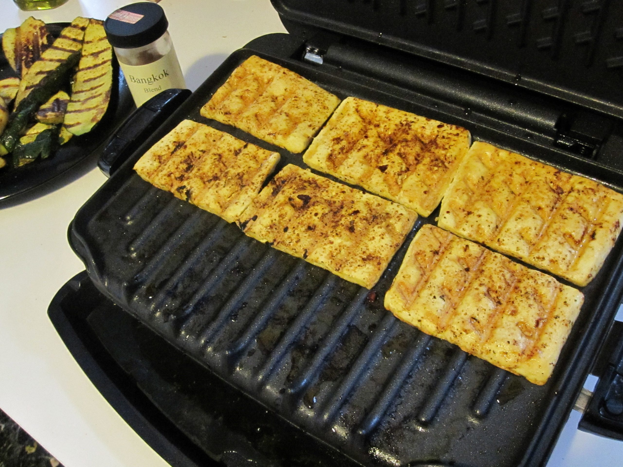 Test Driving My New George Foreman Grill. Grilling Vegan Style ..