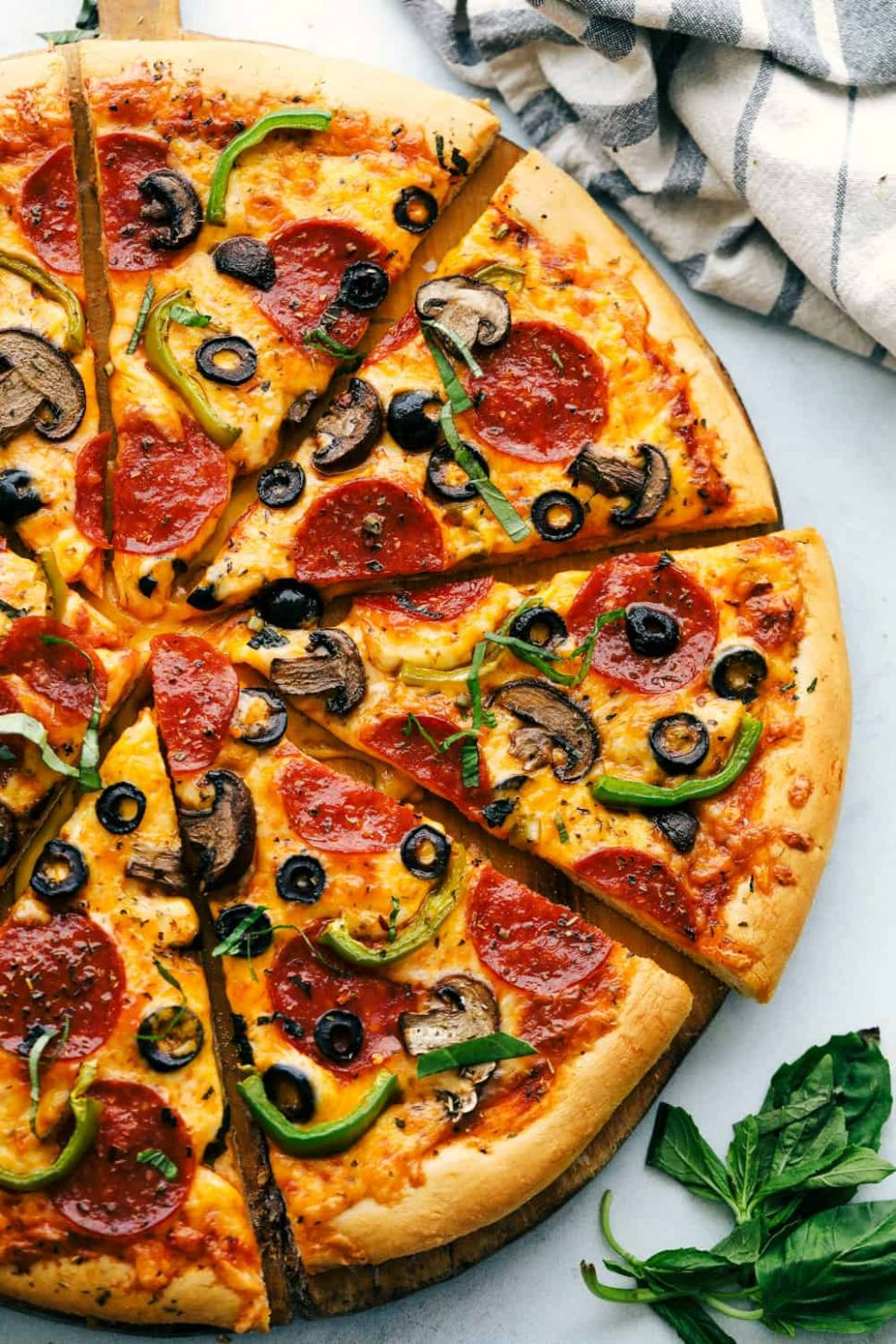 The Easiest Homemade Pizza Ever! - Homemade Pizza Recipes