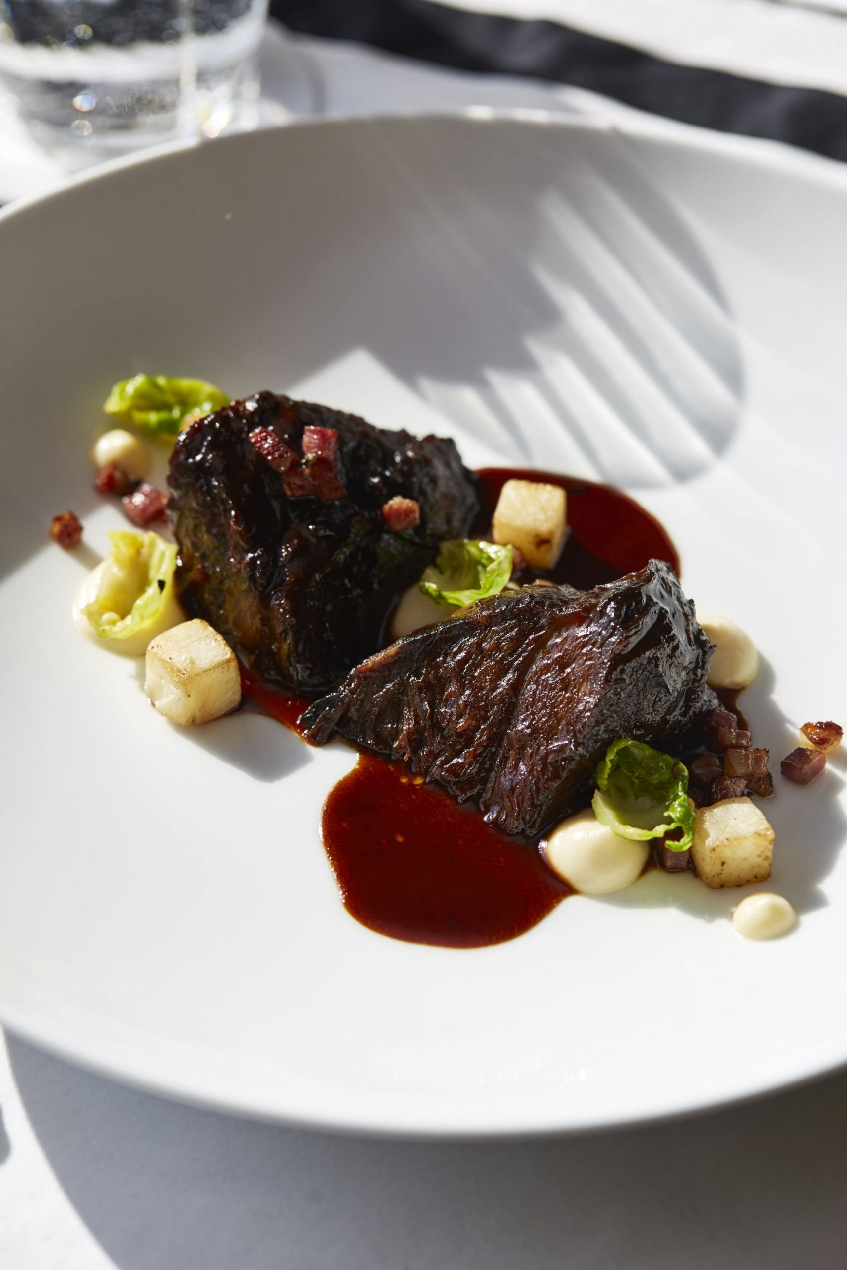 These Braised Beef Cheeks Melt in the Mouth - Recipes Beef Cheeks