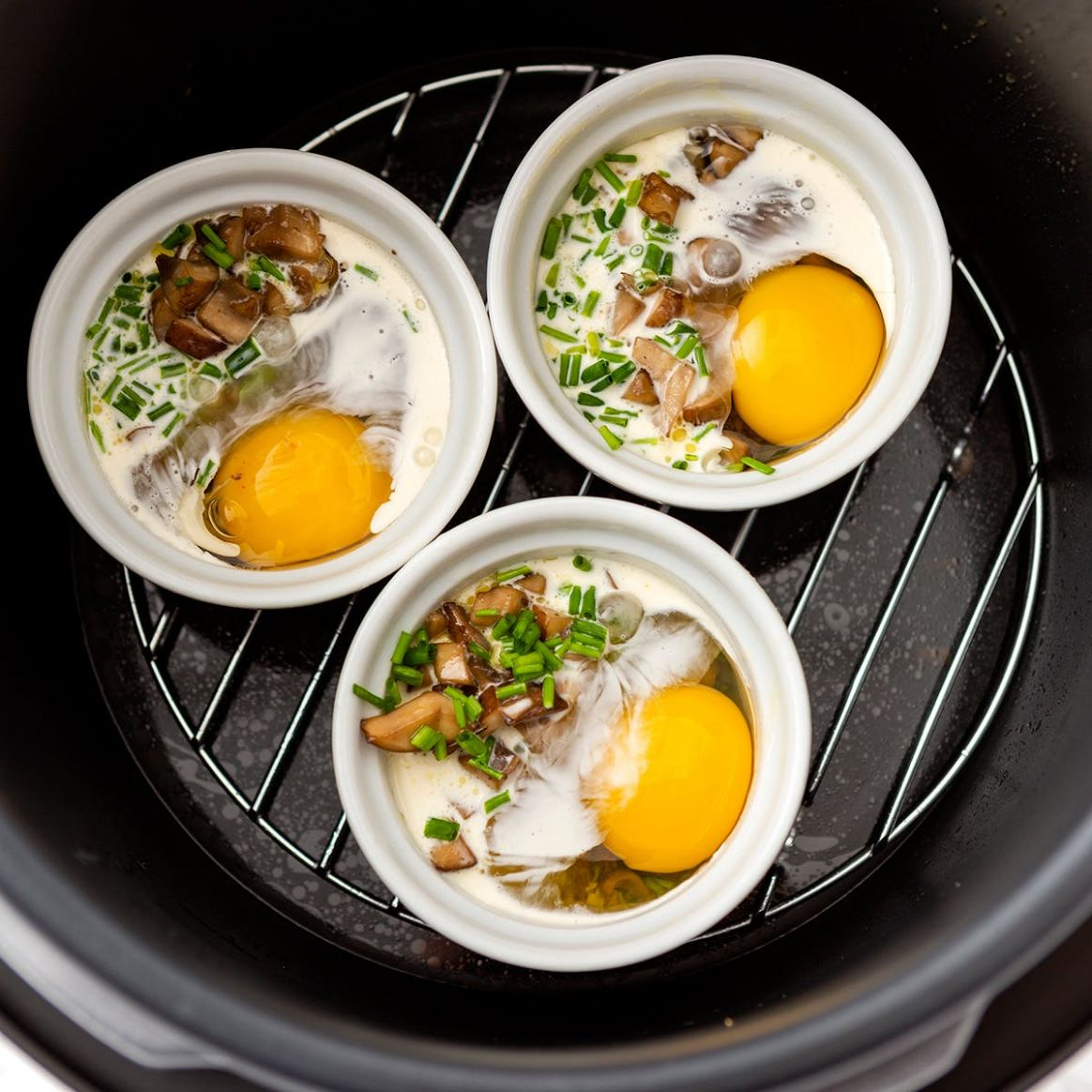 This Pressure-Cooker Ramekin Eggs Recipe Is Ready in Less Than 9 Minutes - Breakfast Recipes Instant Pot