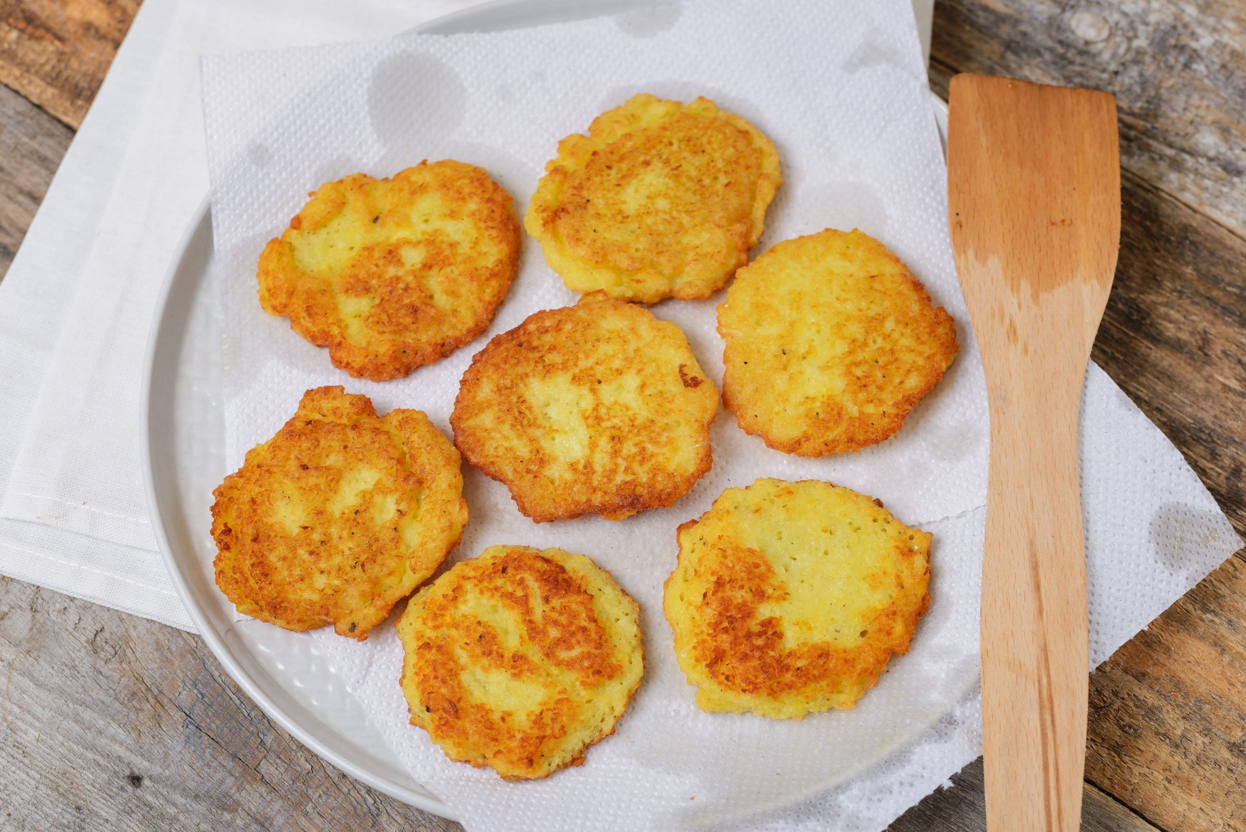 Traditional Hanukkah Potato Latkes - Recipes Potato Latkes Hanukkah