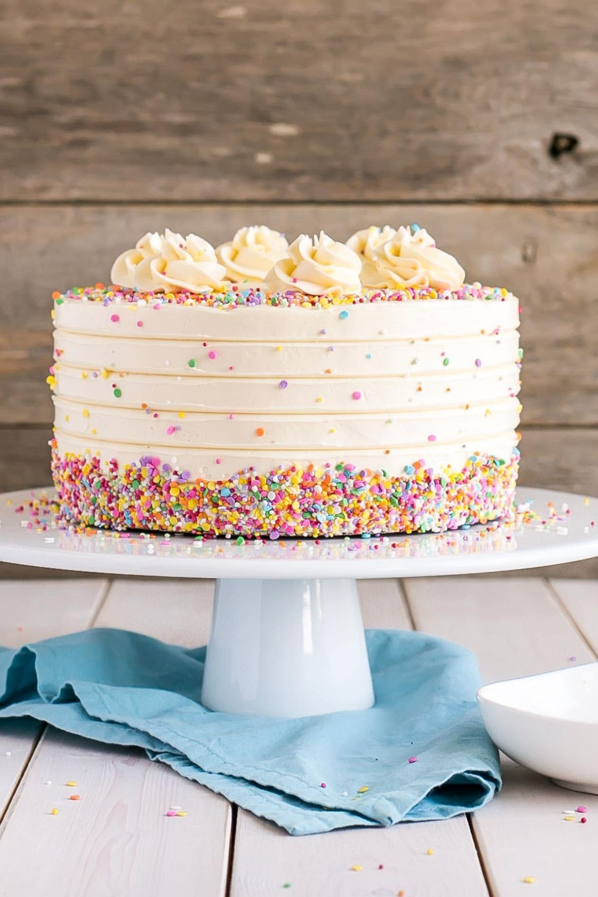 Vanilla Cake With Vanilla Buttercream | Liv for Cake - Recipes Cake Vanilla
