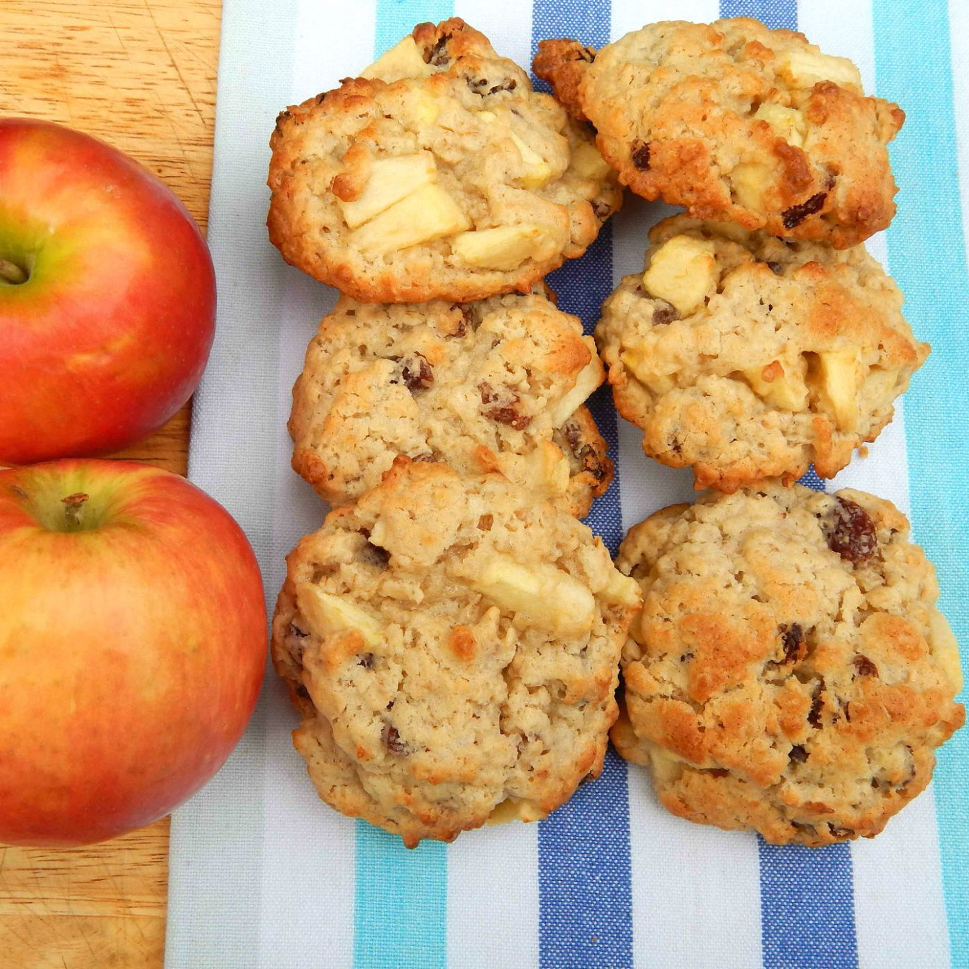 What's Cooking – Apple and Oat Cookies | Bark Time
