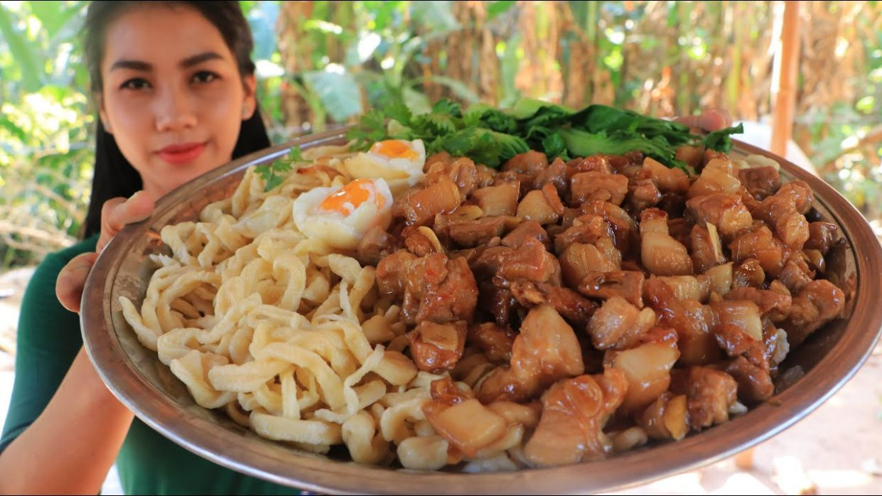 Yummy cooking noodle with pork recipe - Natural Life TV Cooking